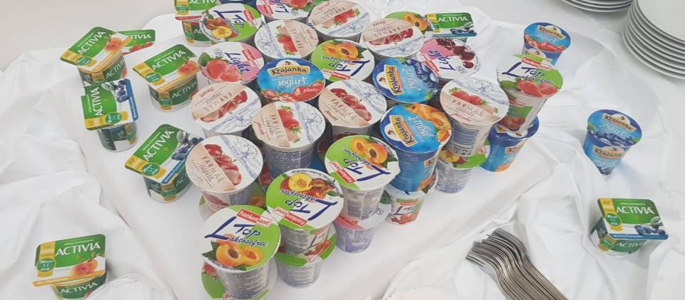 Druhý život pro kelímky od jogurtu